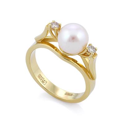 Кольцо с жемчугом и бриллиантами в желтом золоте 4.45 г SLV-21652
